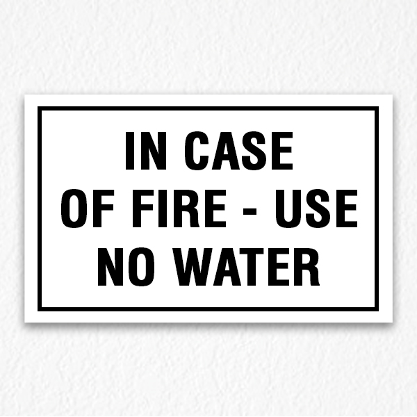 Use No Water Sign in Black Text