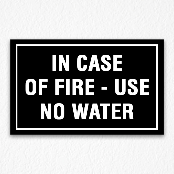 Use No Water Sign in Black